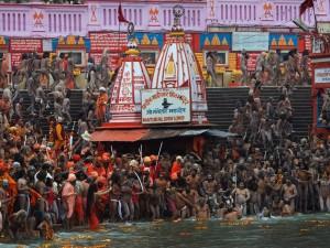 Święta kąpiel w Gangesie1