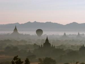 Balonem nad Bagan7