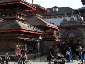 Katmandu- u stóp najwyższych gór świata1