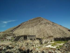 Piramidy Azteków2