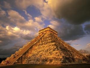 Piramidy Majów