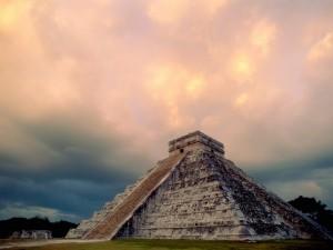 Piramidy Majów1