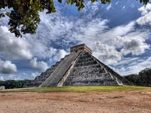 Piramidy Majów3