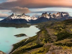 Widowiskowe góry Torres del Paine1